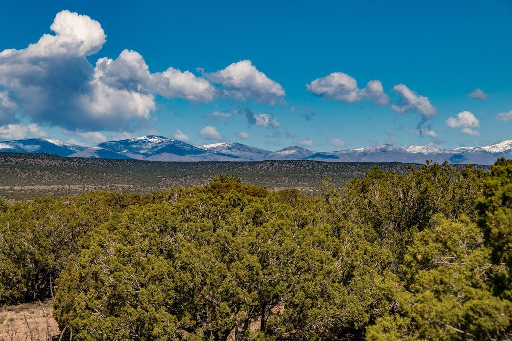3 Campo Montoso Santa Fe, NM 87506
