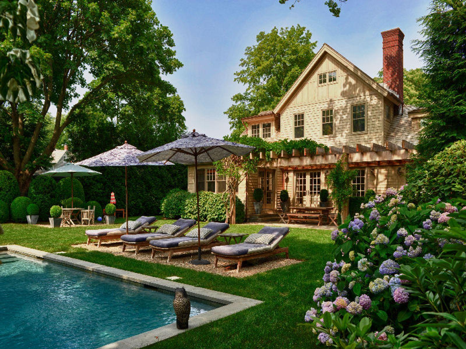 Sag harbor village jewel sag harbor ny single family for Luxury hamptons real estate