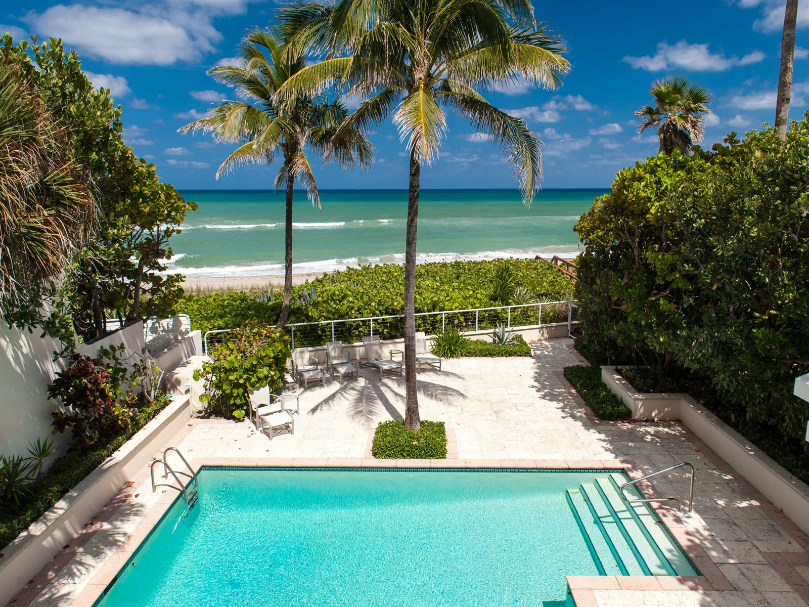 Oceanfront Beauty, Juno Beach FL Single Family Home - Palm Beach Real Estate