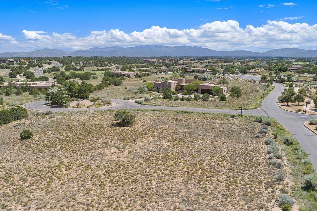 1 Brisa Fresca Lot 100 Santa Fe, NM 87506