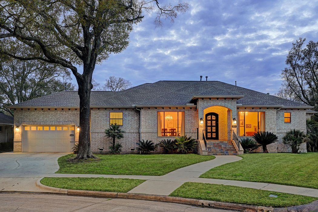 5650 Dumfries Drive Houston, TX 77096