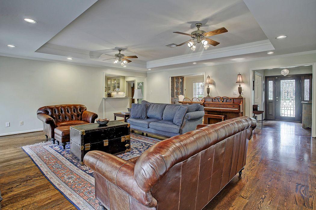 8711 Winningham Lane Houston, TX 77055