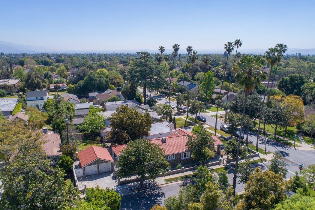 1751 Rose Villa Street Pasadena, CA 91106