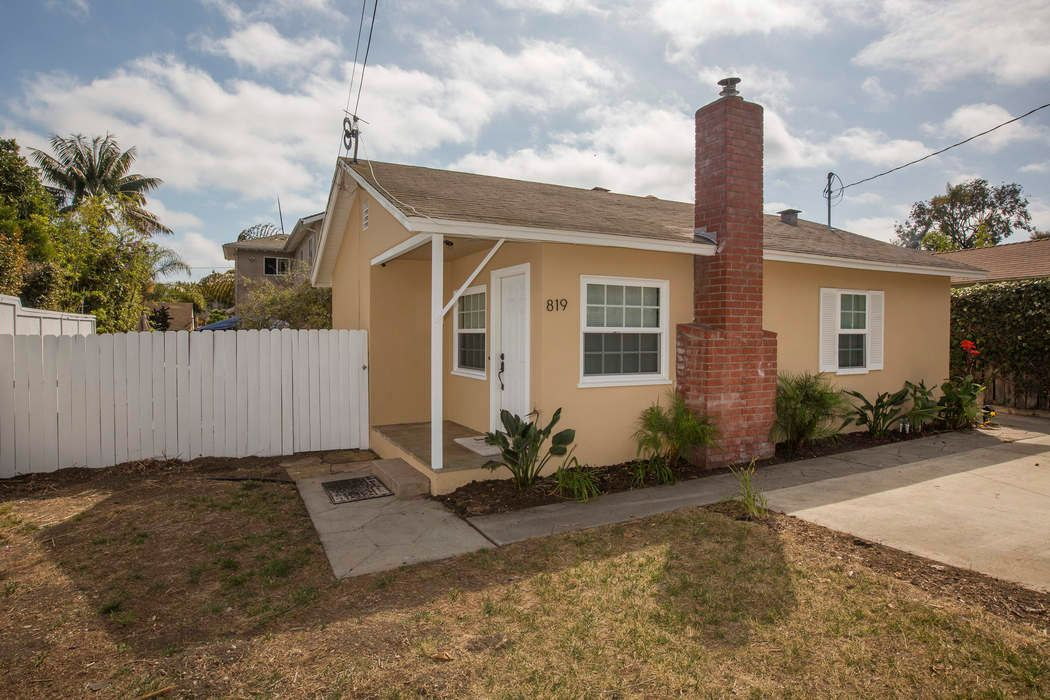 Cute & Cozy Remodeled Home on Large Lot