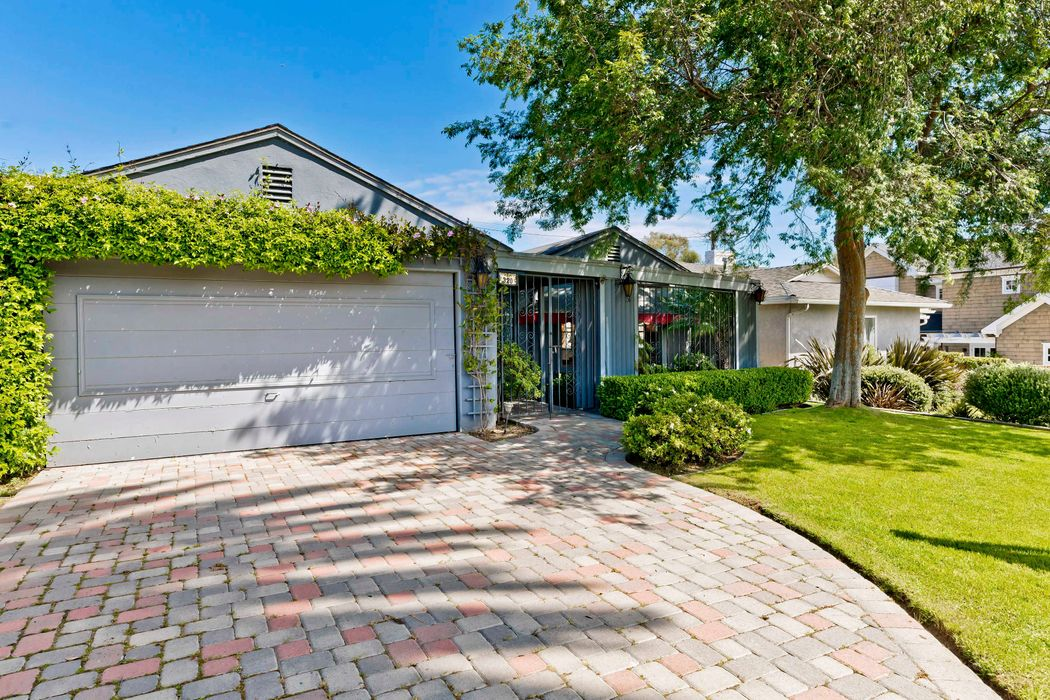 320 Swarthmore Ave Pacific Palisades, CA 90272