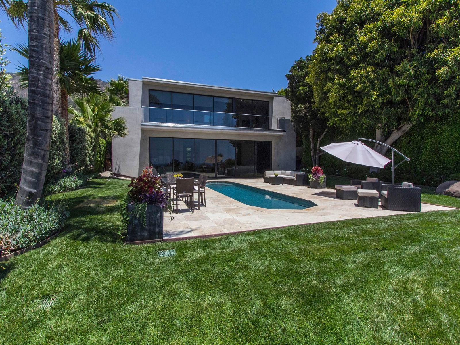 Incredible Contemporary Home