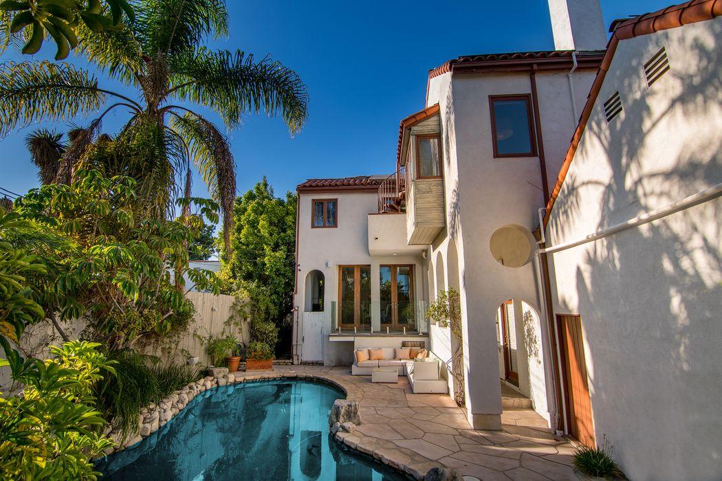 2714 Washington Avenue Santa Monica, CA 90403