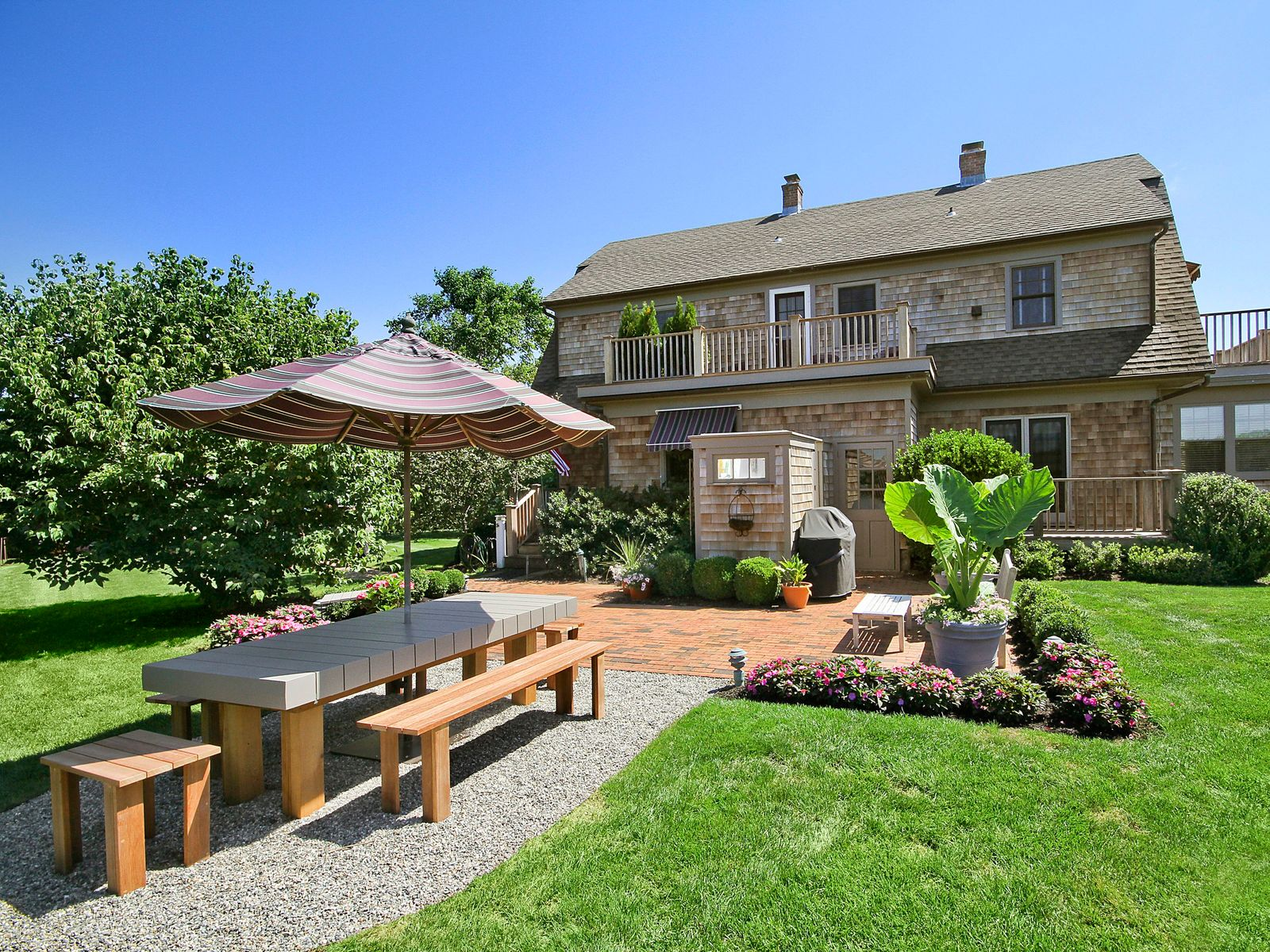 Tranquil Living On 5 Acres