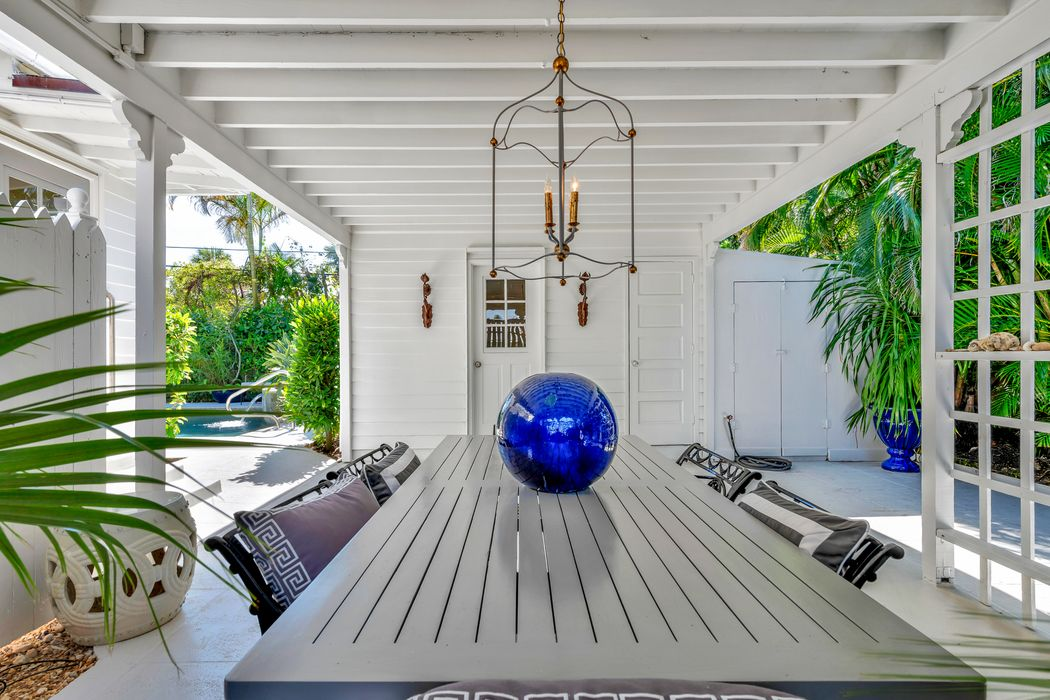 248 Colonial Ln Palm Beach, FL 33480