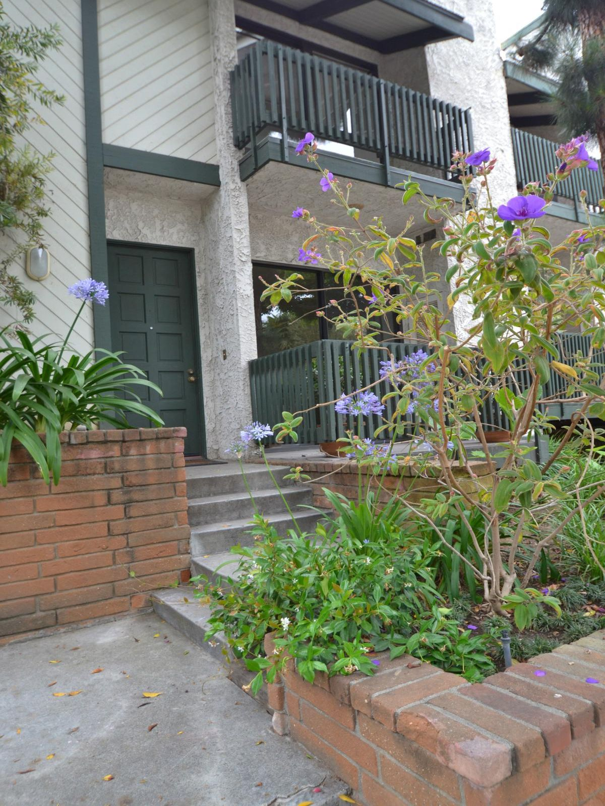 Three Bedroom Townhome, Santa Monica CA Townhouse - Los Angeles Real Estate