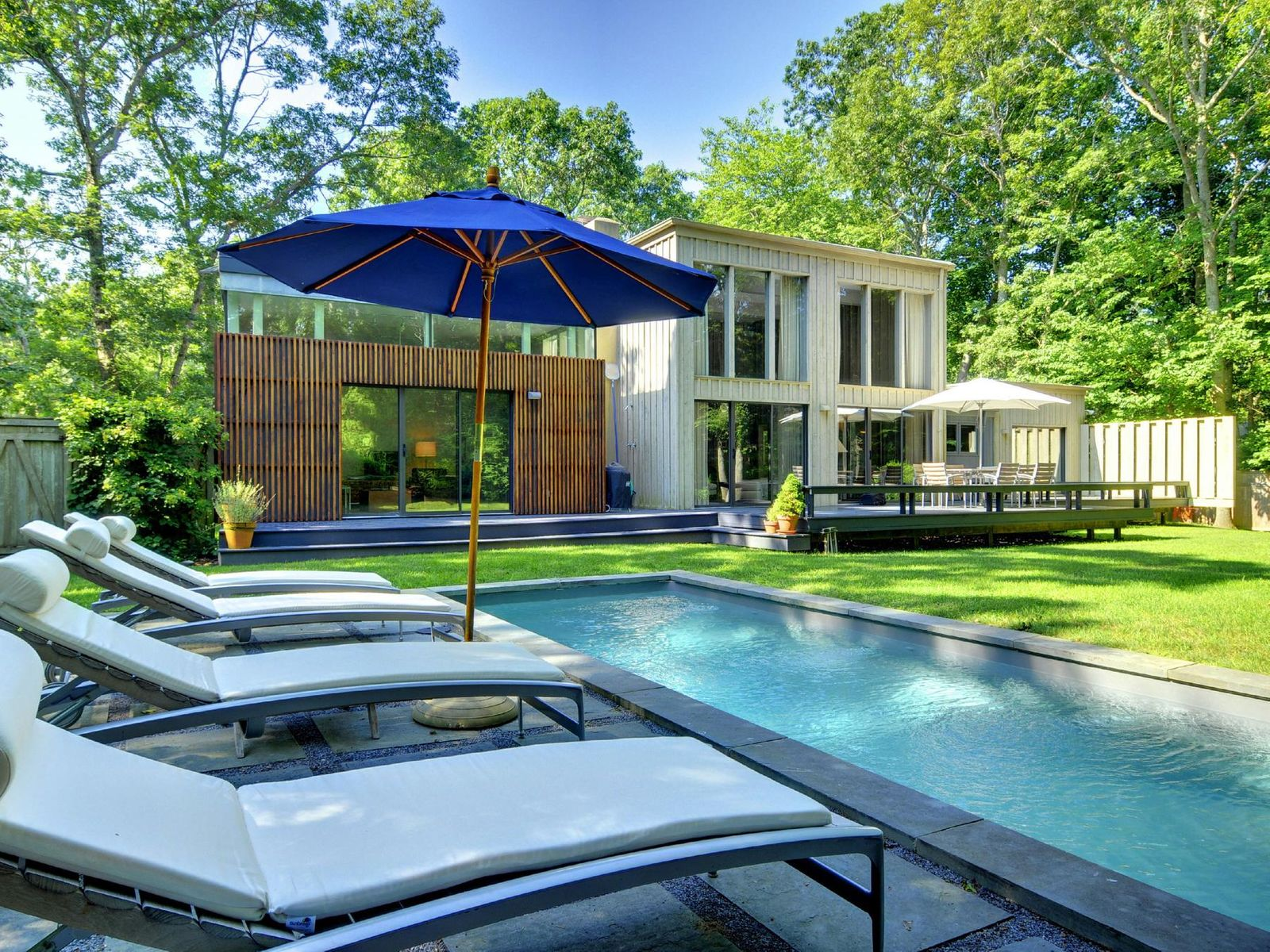 Modern Home, East Hampton NY Single Family Home - Hamptons Real Estate
