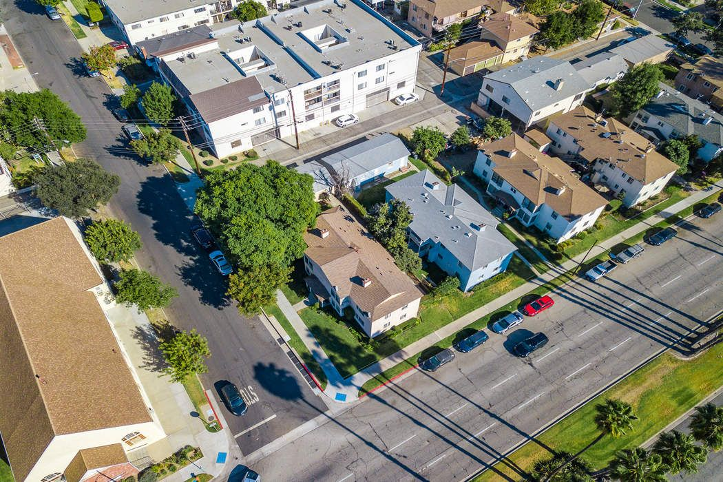 402 Elmwood Avenue Burbank, CA 91501