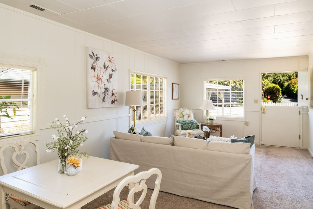 Charming Pacific Grove Beach Cottage Pacific Grove, CA 93950