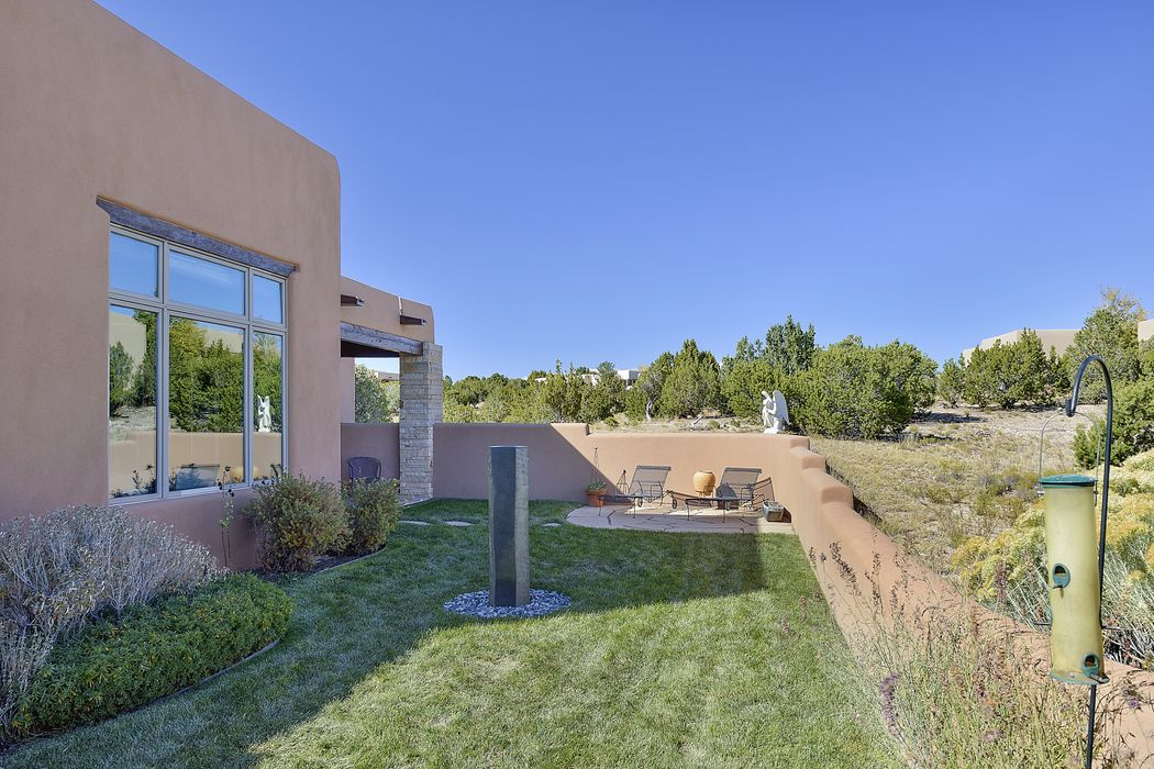111 Sunflower Drive Santa Fe, NM 87506