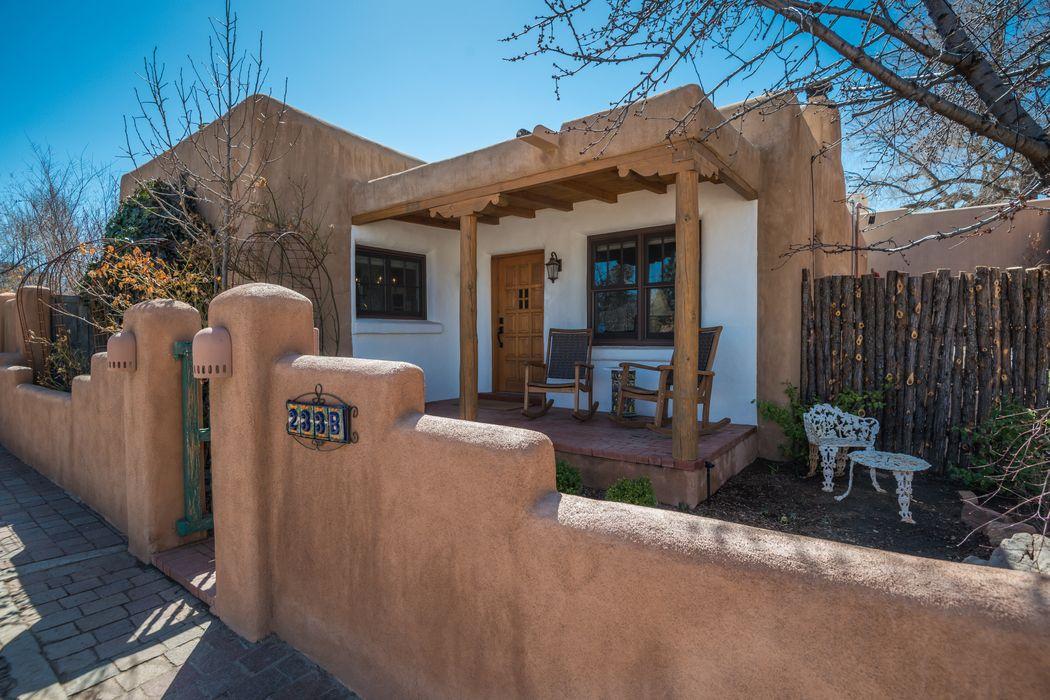 233-B Delgado Street Santa Fe, NM 87501
