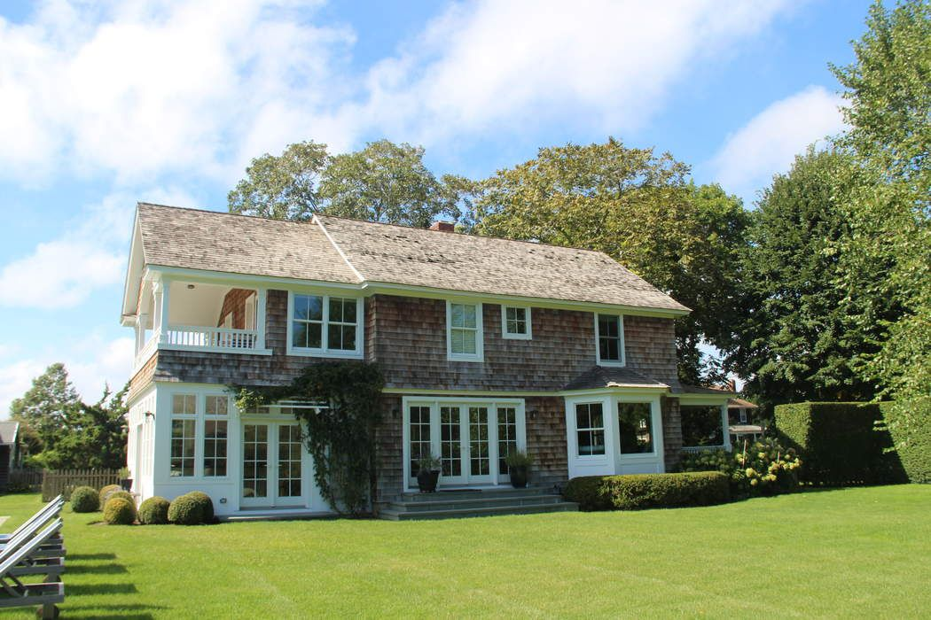 Farmhouse in East Hampton Village