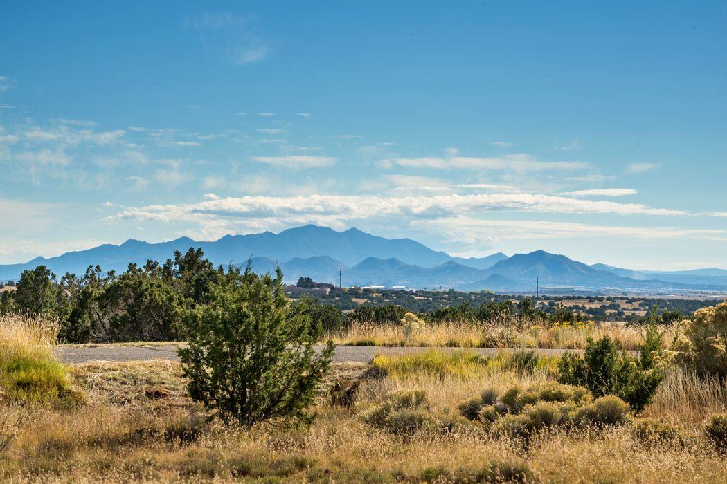 12 Luz Del Dia Santa Fe, NM 87506