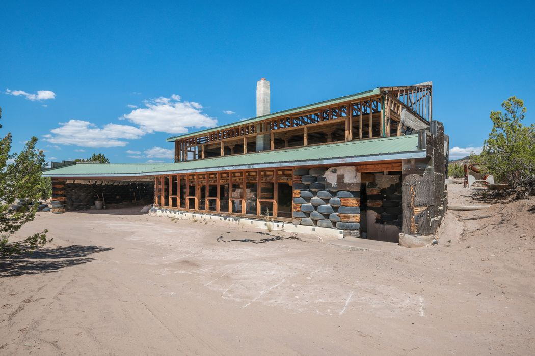 186 Cerrito De Baca Ojo Calients, NM 87539