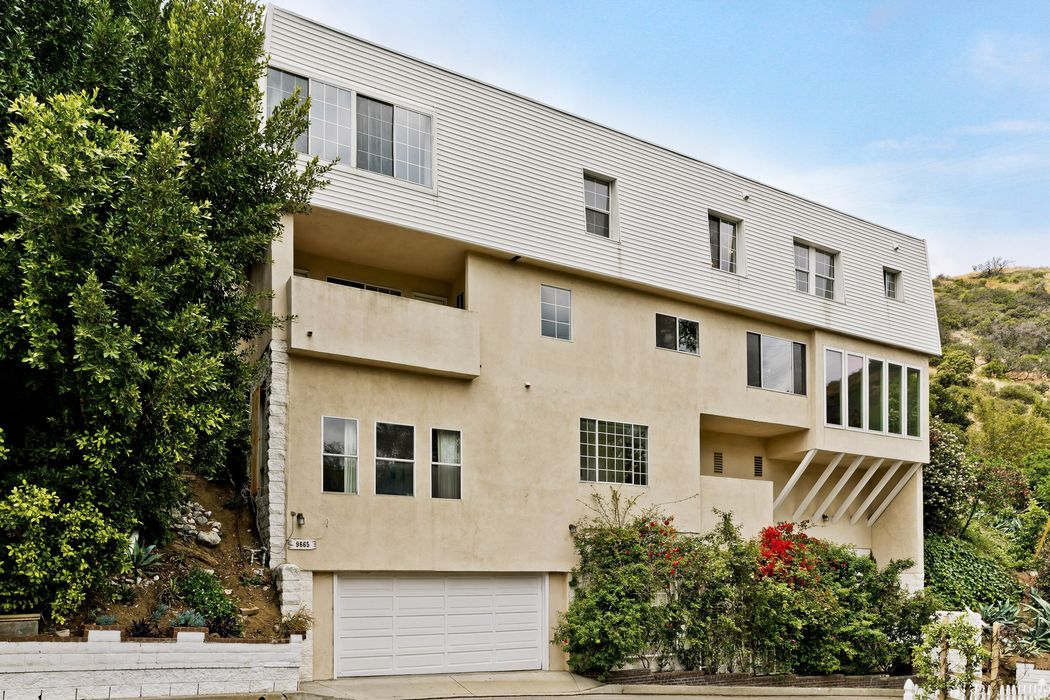 9665 Heather Road Beverly Hills, CA 90210