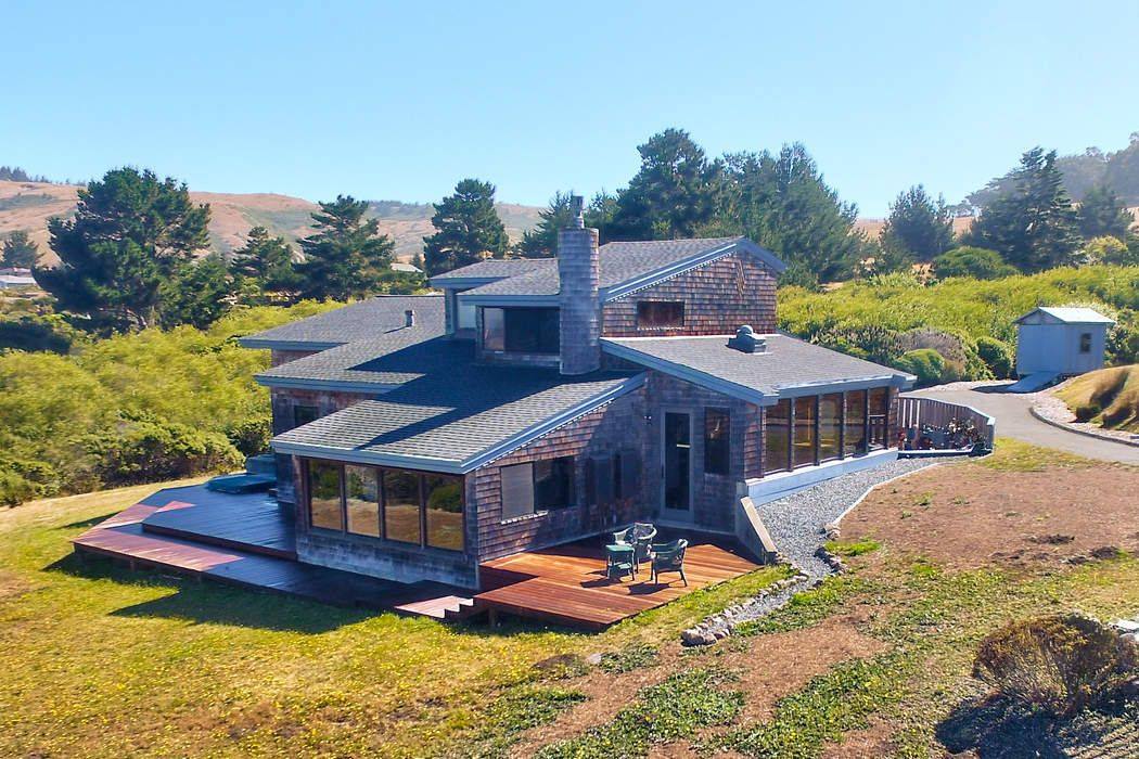 Coveted Sonoma Coast Hideaway
