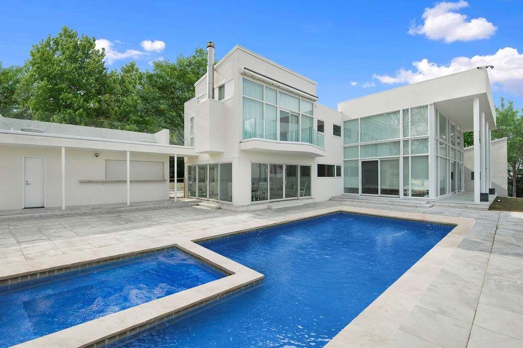 40 Hedges Bank Drive East Hampton, NY 11937