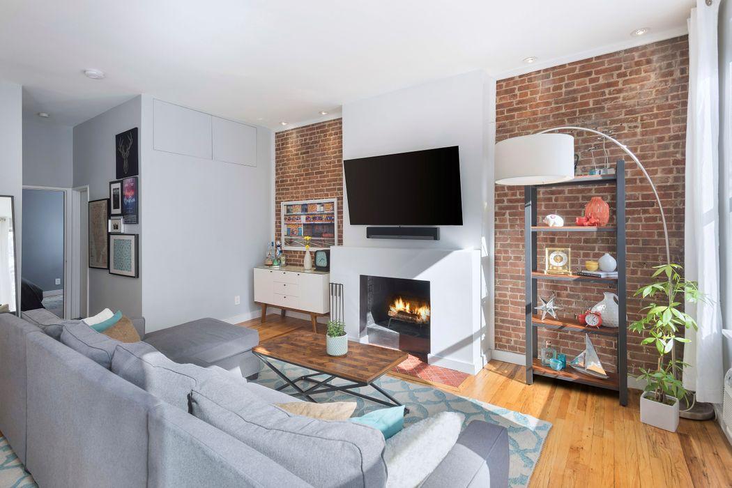 305 West 55th Street New York, NY 10019
