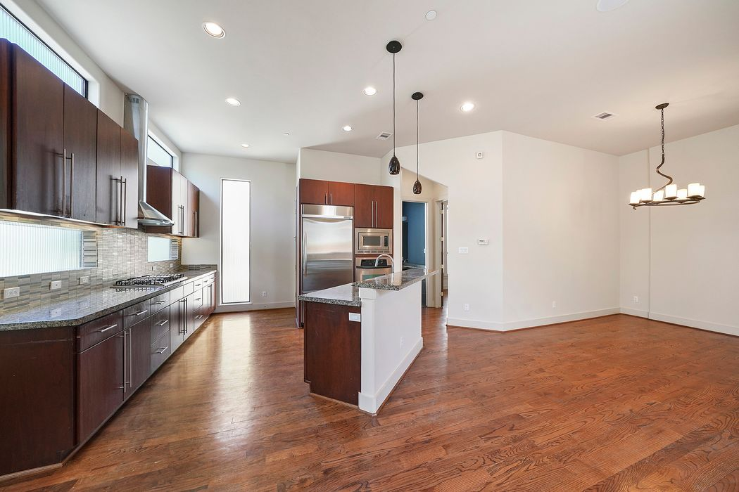 2107 Woodhead Street Houston, TX 77019