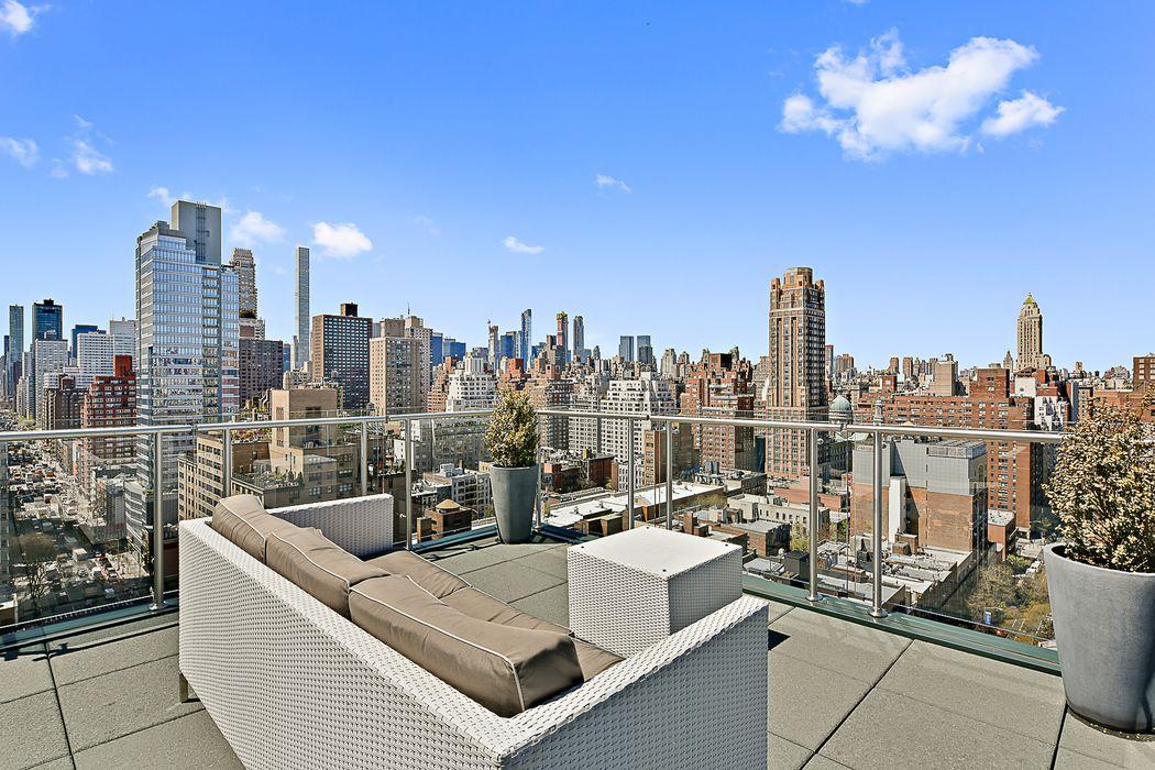 303 East 77th Street New York, NY 10075