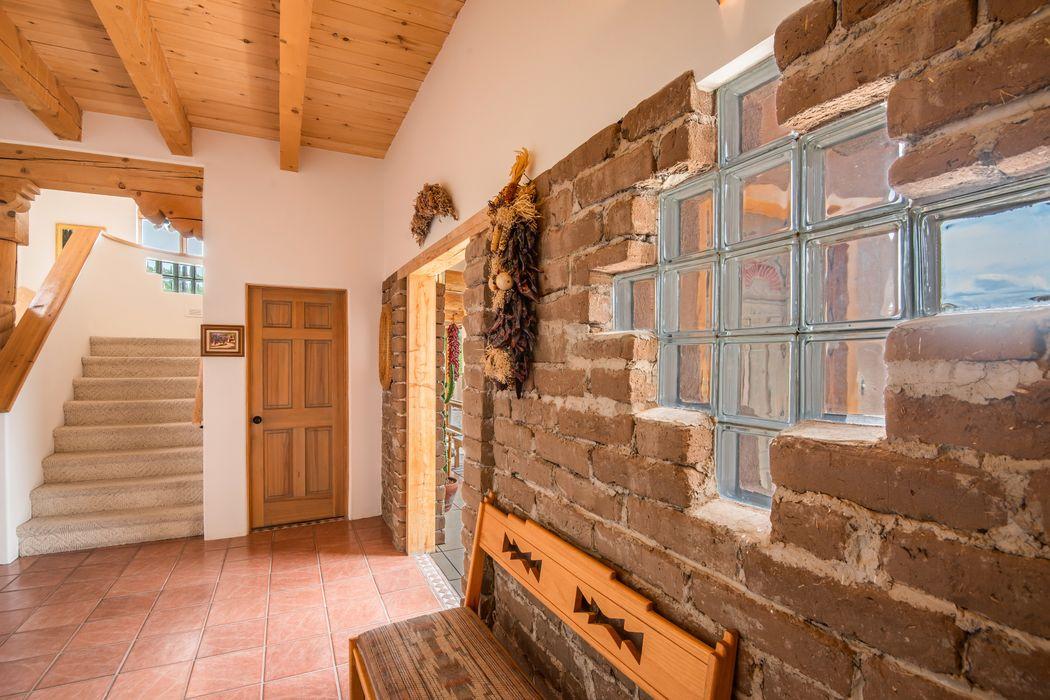 28 Don Filomeno Santa Fe, NM 87506