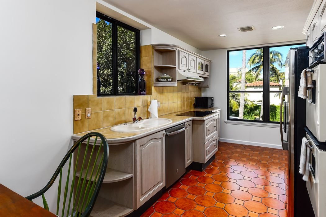 340 Brazilian Avenue 203-C Palm Beach, FL 33480