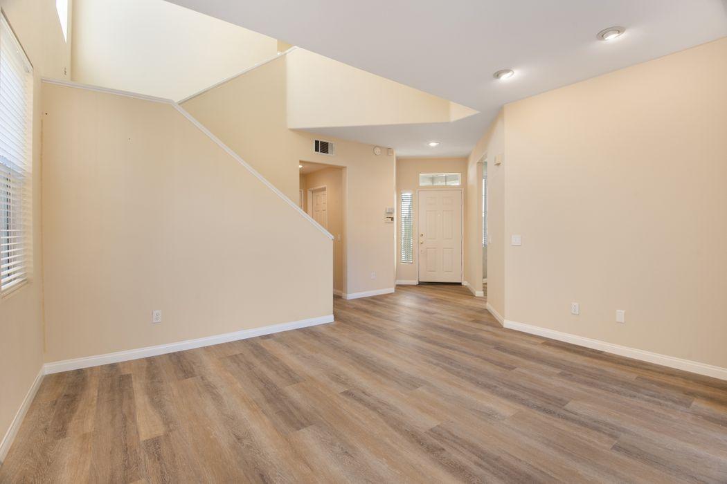 109 Macademia Lane Simi Valley, CA 93065