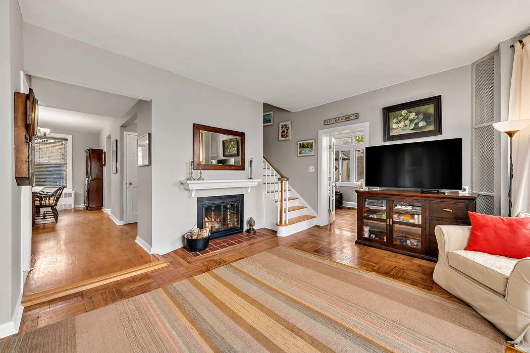 4669 Tibbett Avenue Riverdale, NY 10471