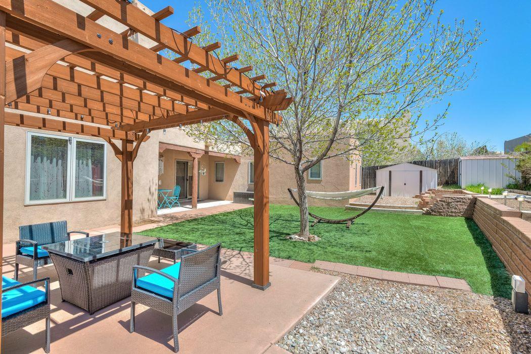 3225 Casa Rinconada Santa Fe, NM 87507