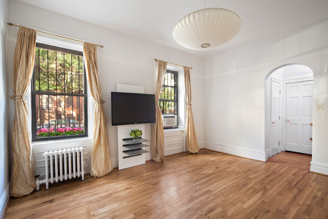 296 Sterling Place Apt 3a Brooklyn Ny 11238 Sotheby S
