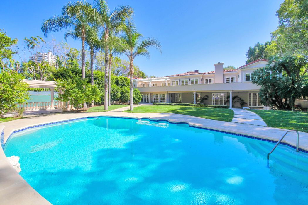 407 Robert Lane Beverly Hills, CA 90210