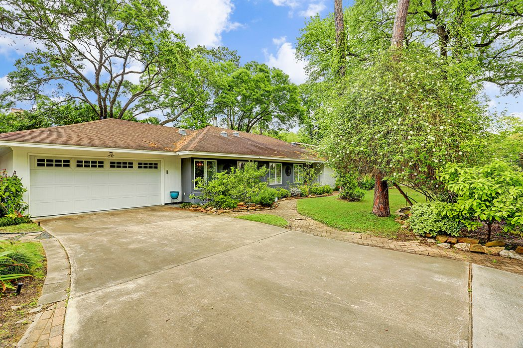 10910 Long Shadow Lane Houston, TX 77024