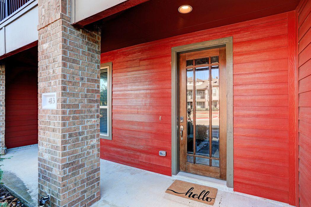 413 Via Regatta Street Webster, TX 77598
