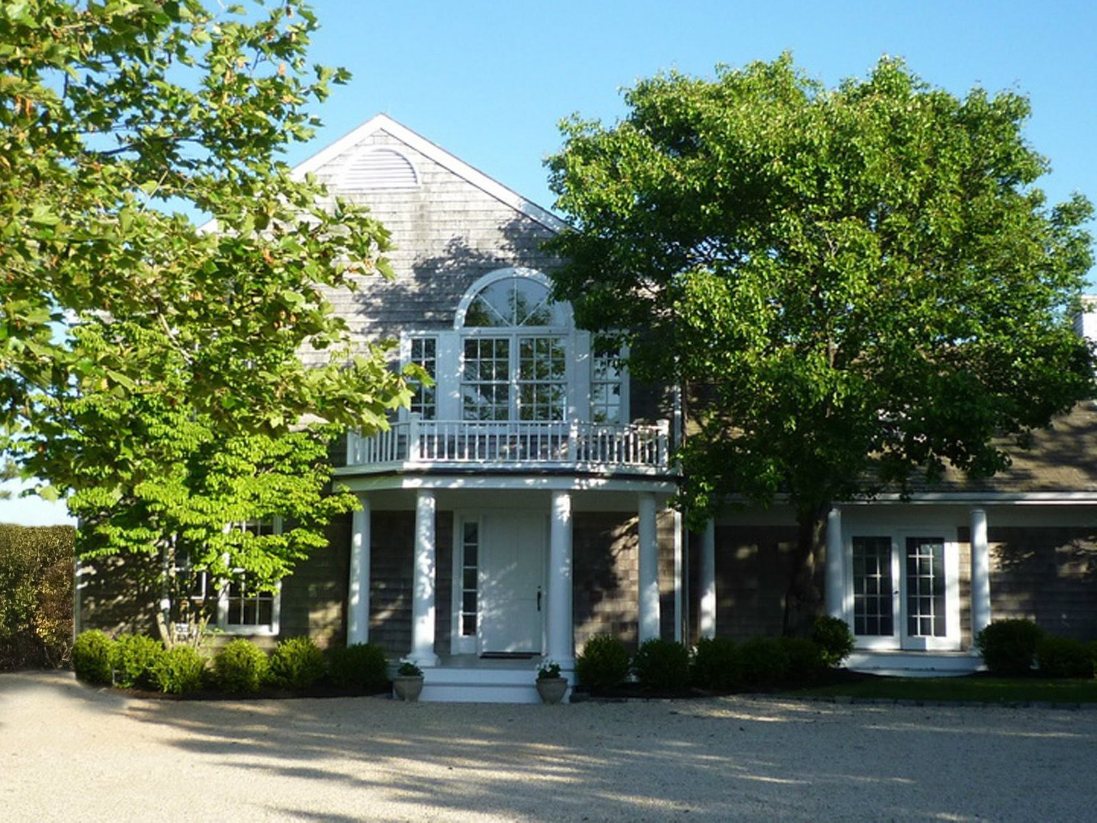 Mecox Bay Access Decorator's Own, Water Mill NY Single Family Home - Hamptons Real Estate