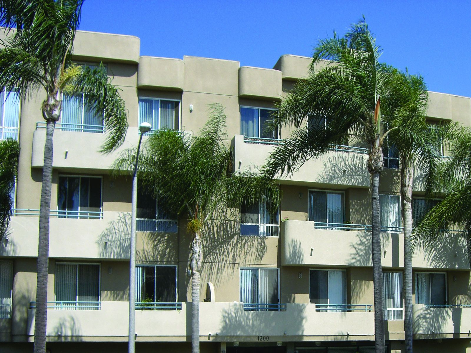 Stylish upgraded 2 bedroom condo los angeles ca for California los angeles houses