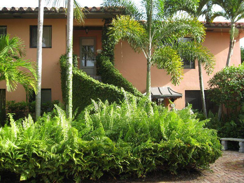 Pristine Palm Beach Apartment Rental