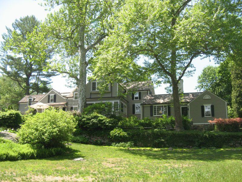 Buttonwood Manor