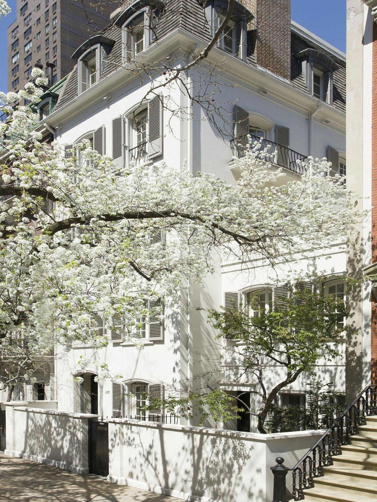 125 E 70th St.  Mellon House  40' Width