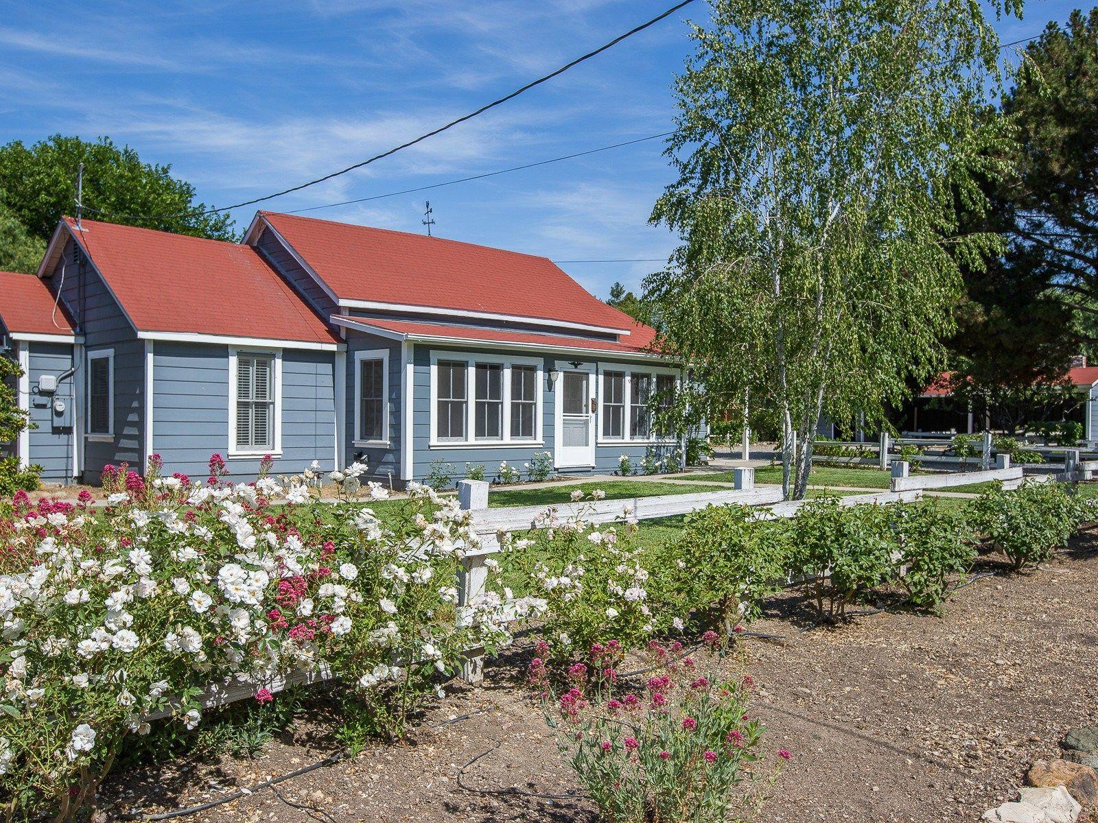 Charming Ballard Cottage