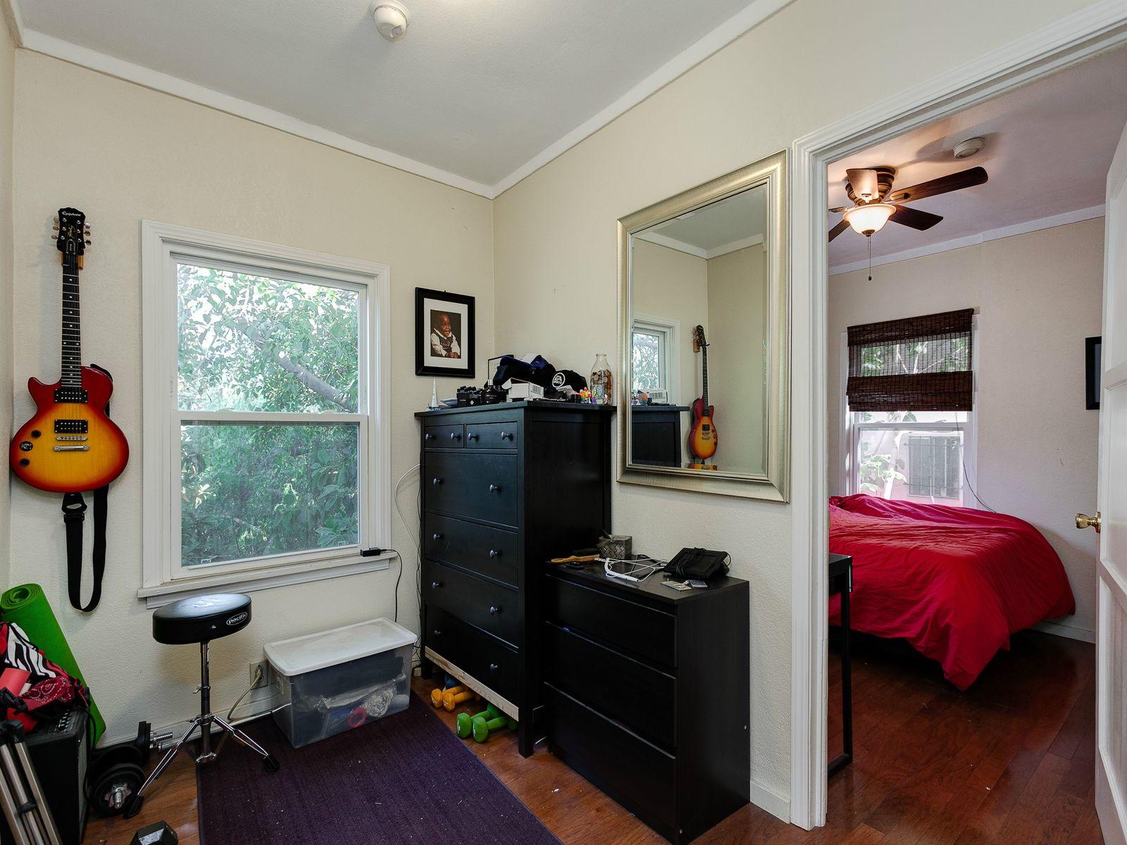 840 Robinson Street