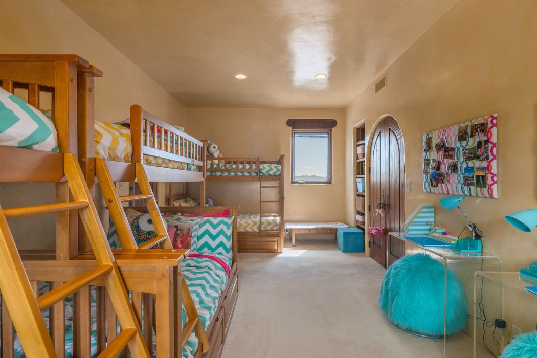 127 Wildhorse Santa Fe, NM 87506