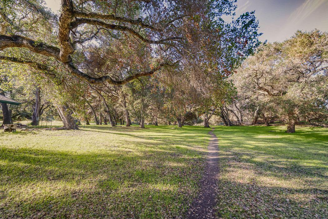 9 Camino De Travesia Carmel Valley, CA 93924