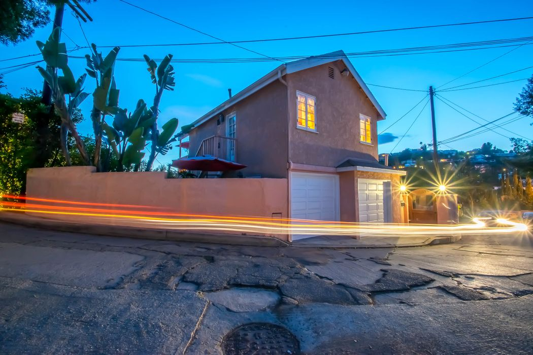 6010 Graciosa Drive Los Angeles, CA 90068