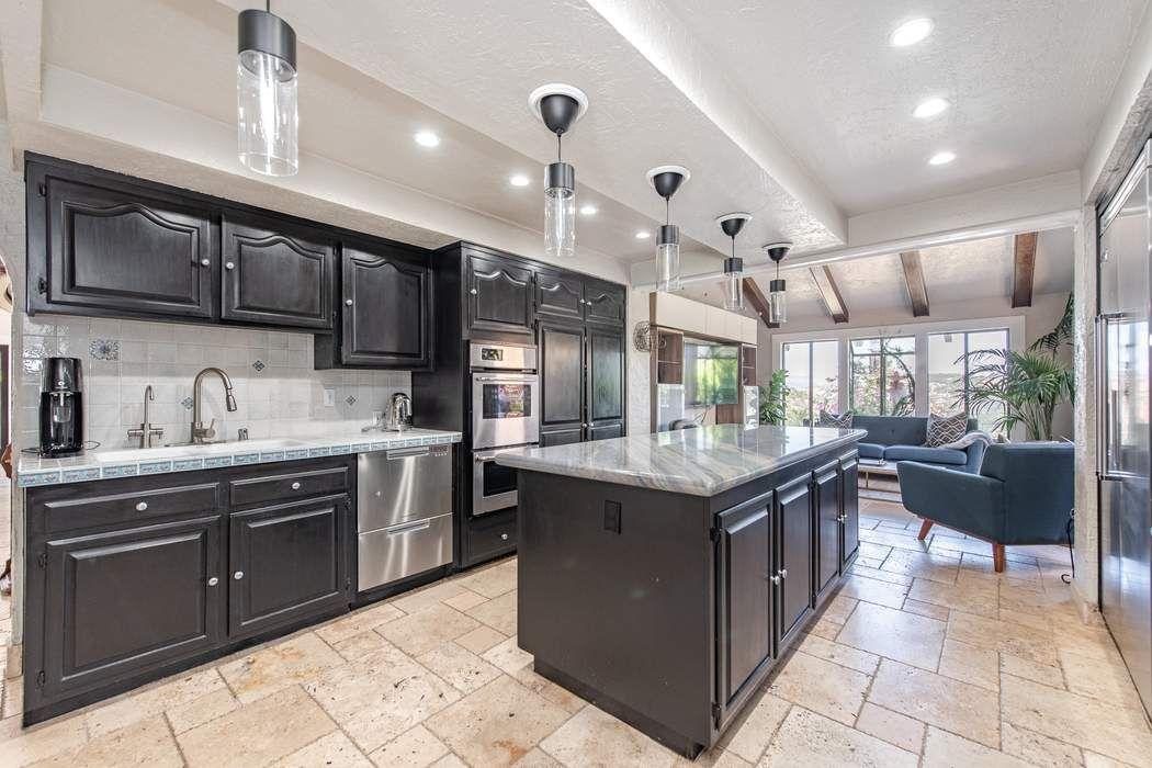 Expansive Mediterranean Retreat Thousand Oaks, CA 91361