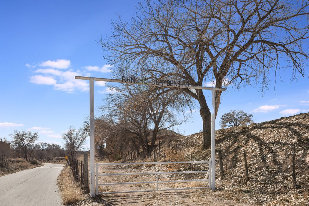 129 Rio Arriba County Road 89 Chimayo, NM 87522