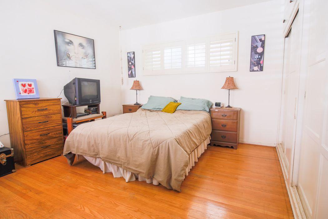 309 S Clarke Drive Beverly Hills, CA 90211